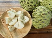 picture of custard  - custard apple Pieces are placed in a dish - JPG