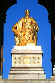 pic of kensington  - The gold leaf covered statue of Prince Albert from the Albert Memorial - JPG