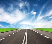 picture of paysage  - Road leading to the horizon - JPG