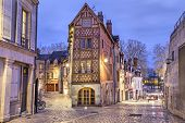 pic of stone house  - Street paved with stone blocks and half - JPG