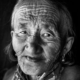 pic of mongolian  - Mongolian Woman Traditional Dress Lifestyle Concept - JPG