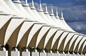picture of awning  - White canvas awning with tubular strucure pattern - JPG