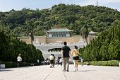 TAIPEI, TAIWAN - SEPTEMBER 4 : Many tourist people walk toward Taipei's National Palace Museum on Se