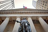 Постер, плакат: Statue of George Washington Federal Hall