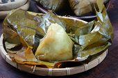 pic of food pyramid  - Vietnamese food name Banh Gio - JPG