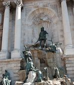 picture of royal palace  - Matthias Fountain in the northwest courtyard of the Royal Palace  - JPG
