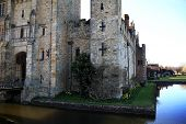 foto of hever  - HEVER CASTLE AND GARDENS - JPG