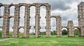 picture of aqueduct  - Aqueduct of the Miracles in Merida - JPG