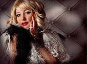 Постер, плакат: Блондинка леди глядя как Мэрилин Монро