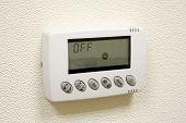 pic of temperature  - Digital thermostat  - JPG