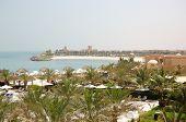 Постер, плакат: Зона отдыха в роскошный отель и пляж с роскошных вилл Рас Аль Хайма ОАЭ
