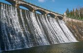 picture of dam  - The dam and waterfall on the river Lomnica in Karpacz - JPG