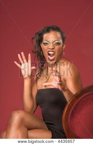 Постер, плакат: Эмоциональное кричать этнических гламурный молодая женщина