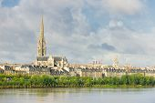 picture of bordeaux  - View of Bordeaux at a summer day - JPG