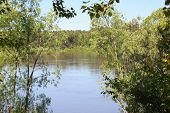 image of kan  - Views of the river Kan between bushes - JPG
