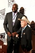 NEW YORK-SEPT. 24: Shaquille O'Neal and boxer Jake LaMotta (R) attend the 27th Great Sports Legends