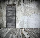 Постер, плакат: гранж интерьер с дверью
