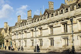 pic of magdalene  - Famouse Magdalen college in Oxford - JPG