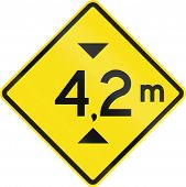 picture of restriction  - Warning road sign in Chile - JPG