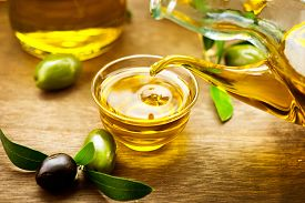 picture of drop oil  - Olive Oil - JPG