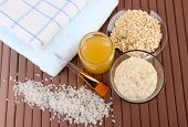 picture of sea oats  - Homemade facial mask with oats and honey - JPG