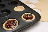 picture of food preparation tools equipment  - Making mince pies  - JPG