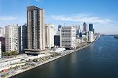 Manhattan - East River And Roosevelt Island