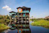 Постер, плакат: House of Inle Lake village