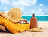 pic of summer fun  - Suntan lotion - JPG