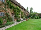 picture of english cottage garden  - Attractive old English cottage and rural garden - JPG