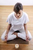 Постер, плакат: Йога и медитация молодой женщины
