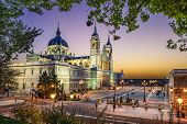 pic of royal palace  - Madrid - JPG