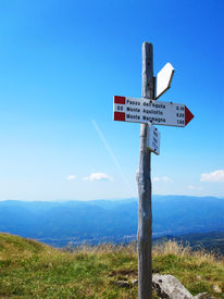 foto of apennines  - A tourist signpost showing directions in the Apennines - JPG