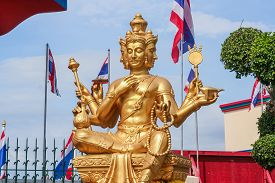 picture of brahma  - Beautiful big golden Brahma statue - JPG
