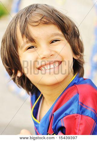 Постер, плакат: Спорт малыш улыбается, холст на подрамнике