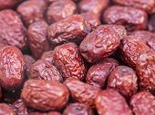 picture of stall  - A pile of red dates in a market stall - JPG