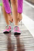 picture of barefoot  - Running shoes - JPG