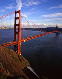 image of golden gate bridge  - an evening image of the golden gate bridge with san francisco in the background - JPG