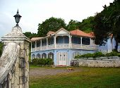 picture of slave-house  - One of the many plantation houses of Jamaica - JPG