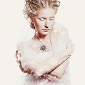 pic of snow queen  - Creative woman portrait in vintage style - JPG