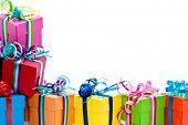 Постер, плакат: Красочные подарки box изолирован на фоне белой студии