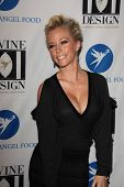 LOS ANGELES - DEC 7:  Kendra Wilkinson arrives at the Project Angel Food's 2011 Divine Design Gala a