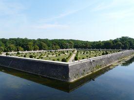 picture of poitiers  - Diane de Poitiers Gardens at the Chateau de Chenonceau - JPG