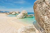 ������, ������: White Rocks In Cala Mariolu