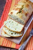 foto of pound cake  - Lemon and poppy seed pound cake - JPG