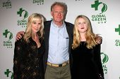 LOS ANGELES - FEB 26:  Rachelle Carson, Ed Begley Jr., Hayden Carson Begley at the Global Green USA