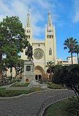 foto of guayaquil  - Facade of the Metropolitan Cathedral and a statue of Simon Bolivar in Guayaquil - JPG