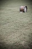 pic of 1700s  - Replica of a Revolutionary War drum sitting in a field - JPG