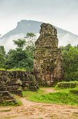 picture of champa  - My Son temple ruins - JPG