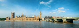 foto of victorian houses  - Big Ben and House of Parliament in London panorama over Thames River - JPG